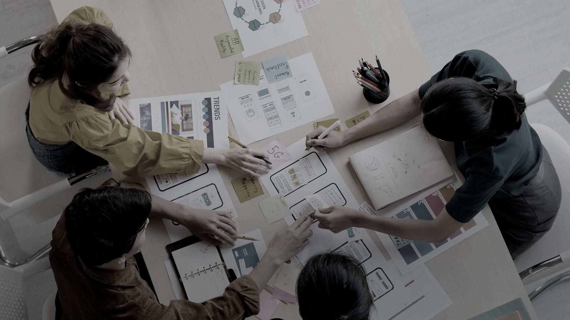 Conheça o time de profissionais que fazem a UX ser possível